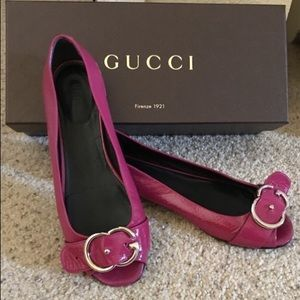 Gucci Peep Toe Patent Flats